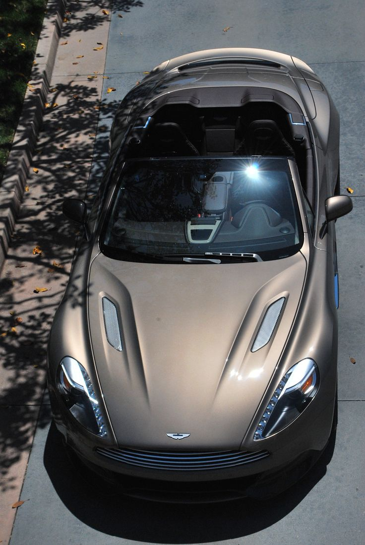 Aston Martin Vanquish Volante. Follow @y_uribe for more pics.