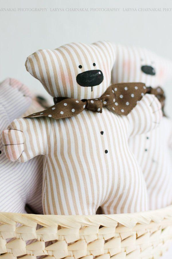 Idea for simple fabric teddy bear (soft toy).