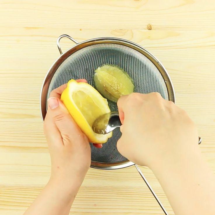 Sorbetto di More dentro un Limone