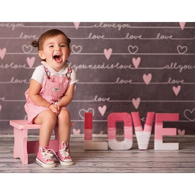 """Chalkboard Love"" Bubblegum Backdrops - Valentine Mini-session - Valentine backdrops"