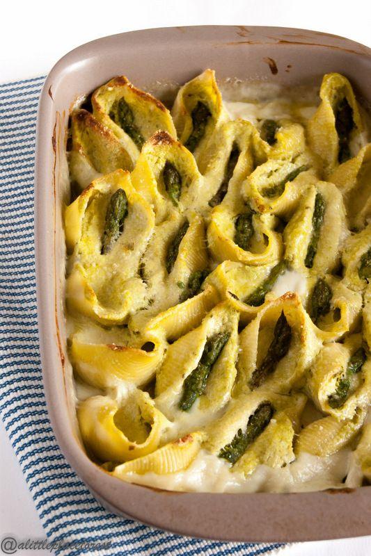 Conchiglioni al forno con asparagi e ricotta