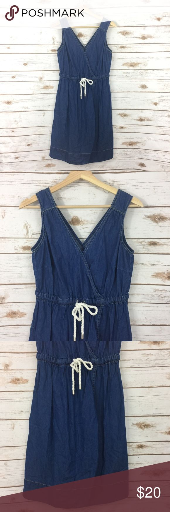 "[Tommy Hilfiger] Denim Sleeveless Dress Size Small Really cute Tommy Hilfiger dress, size small. It has a v-neckline and drawstring waist. I'm not sure of the material content. It's preowned and in good condition, see photos for details.  Armpit to armpit- 15""  Length- 37""   :::PC271SB2 Tommy Hilfiger Dresses Mini"