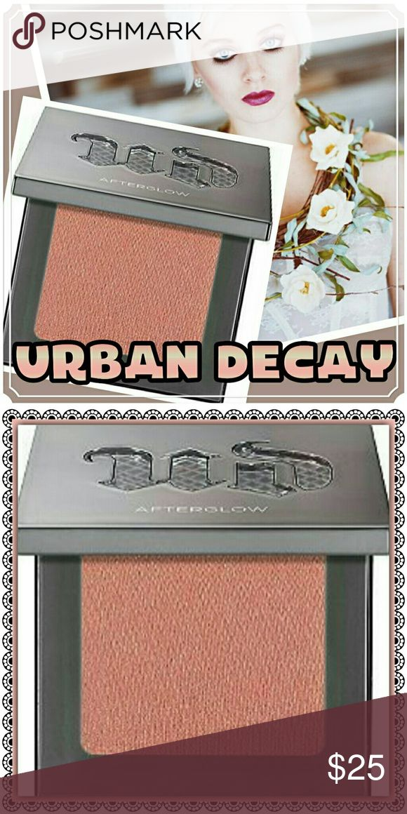 """Urban Decay Contour/Blush! Beautiful Hue! In the color """"FIREBALL""""! It's the perfect color for tons of skin tones!I Summer highlights on the apple of those beautiful cheeks! Or give you Fab face some beautiful definition and use it as a contour! Urban Decay Makeup Blush"""