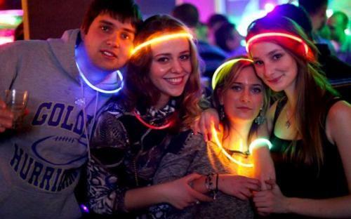 Attualità: #Feste #FLuo la #tendenza dai grandi festival al privato (link: http://ift.tt/2d8Ut6P )