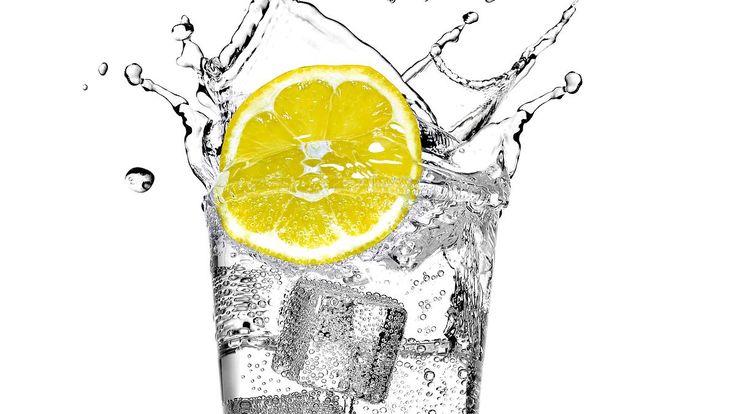Gesund gluckern?: Bio-Mineralwasser im Test