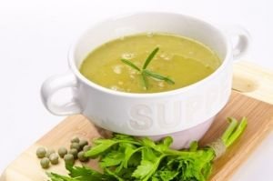 Σούπα λαχανικών με μπιζέλια