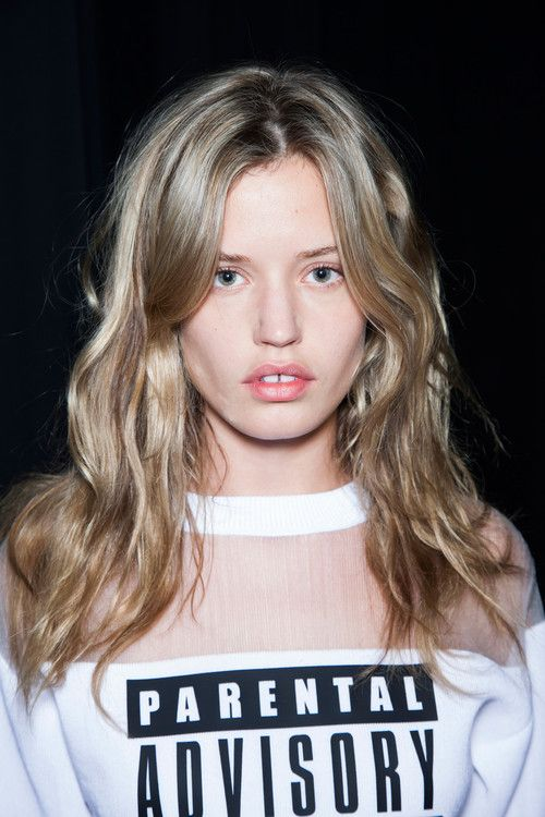 blissfully-chic: Georgia May Jagger - Backstage at Alexander... - http://highfashionista.com/blissfully-chic-georgia-may-jagger-backstage-at-alexander/