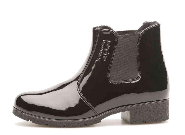 Palmroth chelsea boot black patent