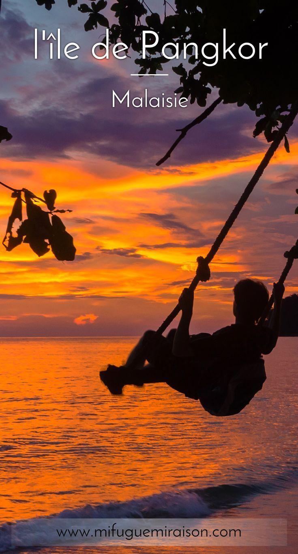 """Pangkor est une île de Malaisie que nous avons adorée. Moins touristique que les autres, moins chère au passage, avec une bonne ambiance familiale, en toute simplicité. Sans parler des couchers de soleil, chaque soir plus beaux que le soir d""""avant ! #pangkor #malaisie #voyage #ile #blog #blogpost #paradis #iledereve #paradisiaque #balancoire #plage"""