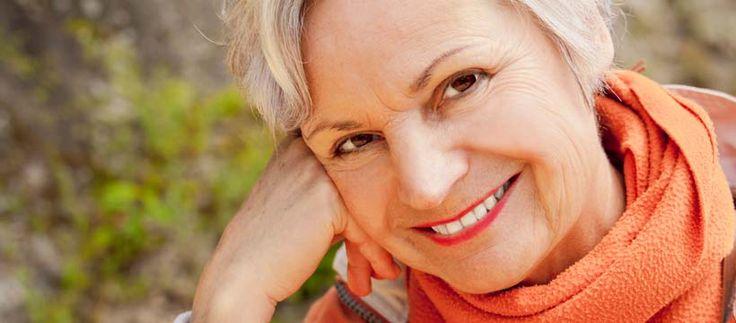 La ménopause qui survient généralement entre 45 et 55 ans, est un phénomène naturel parfois synonyme de désagréments pour bon nombre de femmes. Santé Sur le Net vous donne quelques trucs et astuces, pour vivre sereinement sa ménopause.