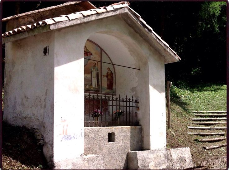 Capitello in località Stalle, Valle di Seren, Belluno Dolomiti Veneto Italia foto Loris Scopel