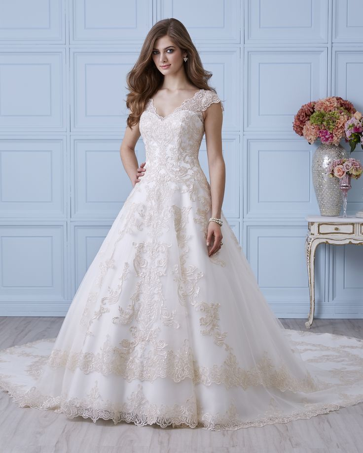 4405 | Romantic Bridals | Bridal Gowns and Prom Dresses |Toronto