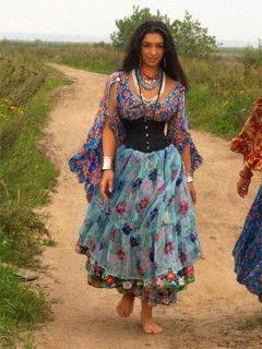 цыганские платья: 22 тыс изображений найдено в Яндекс.Картинках
