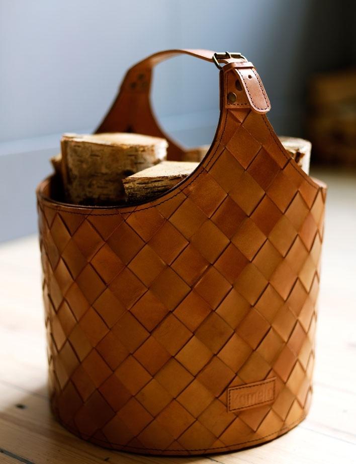 sac en cuir camel pour le bois ou les journaux