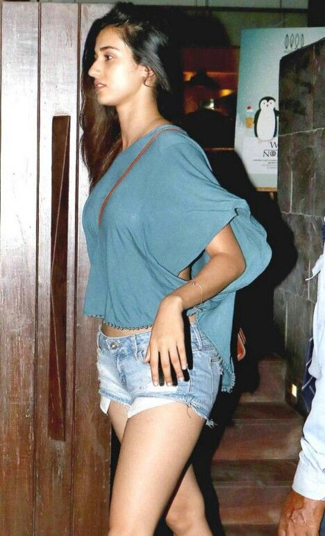 Fablous Indian celebrity in shorts