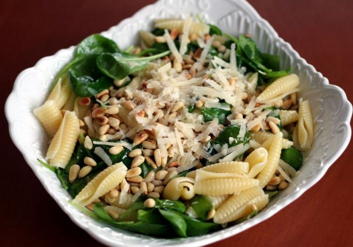 Pasta with pine nuts