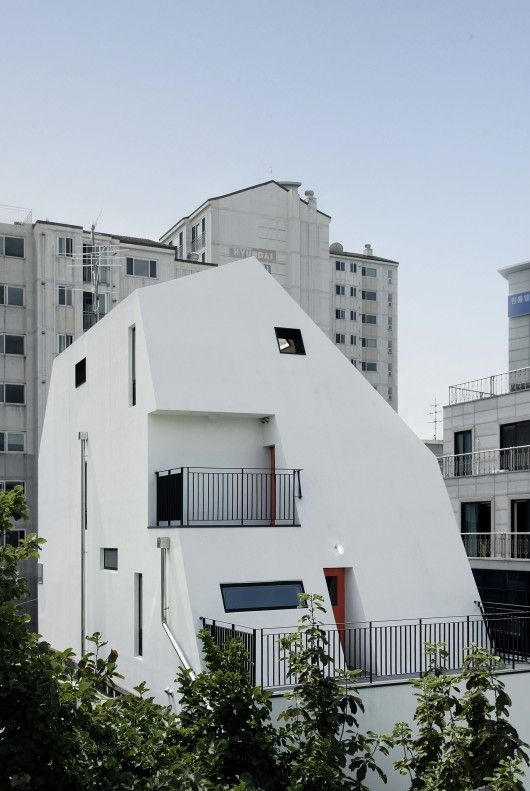 White house / Design band YOAP   ArchDaily