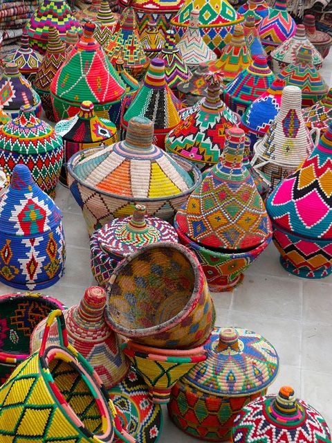 painted african baskets, marrakesh, #DIY painted baskets, global style
