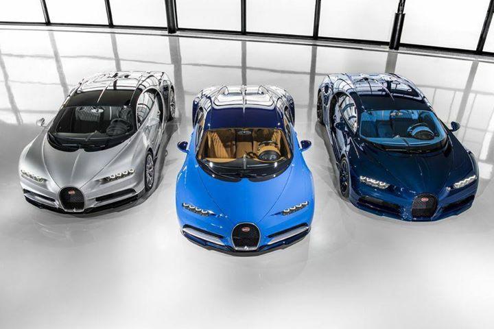 Les 3 premières Chiron à sortir de l'atelier Bugatti en Alsace (celle de droite est waouh ) - http://ift.tt/1HQJd81