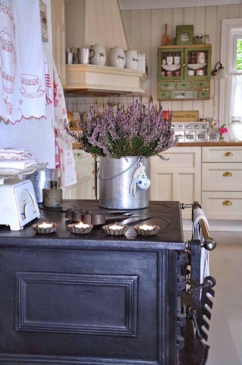 Best 25 English Cottage Kitchens Ideas On Pinterest Cottage Kitchen Interior English Kitchen