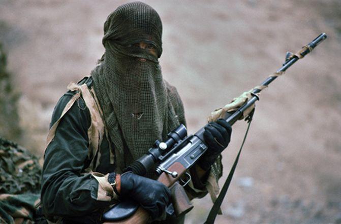 Modern mercenary sniper, Siege of Sarajevo, circa 1993.© Steve Raymer