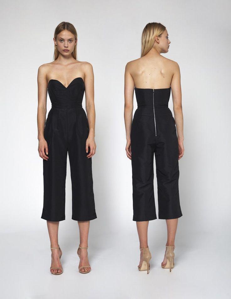#Blackbeauty #fashionForever #Comfort #Style #Nerolianonyme #Stylishfunda #Sexylook