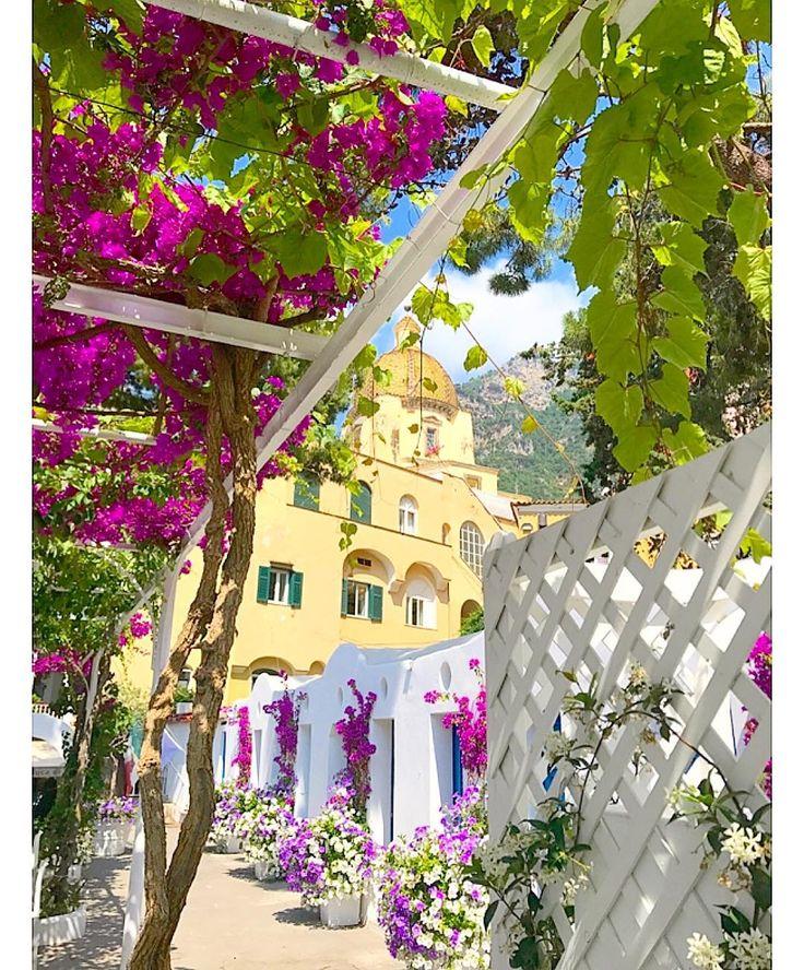 Positano! Hoy en el blog les muestro el último destino de mi viaje por la Costa Amalfitana. link en mi perfil o Soyunmix.com