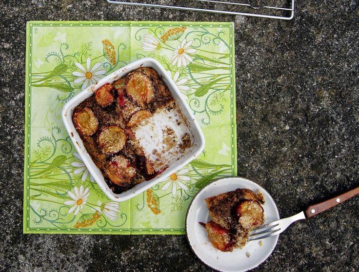 Ciasto kokosowo-gryczane  z cukinią i śliwkami, bez glutenu
