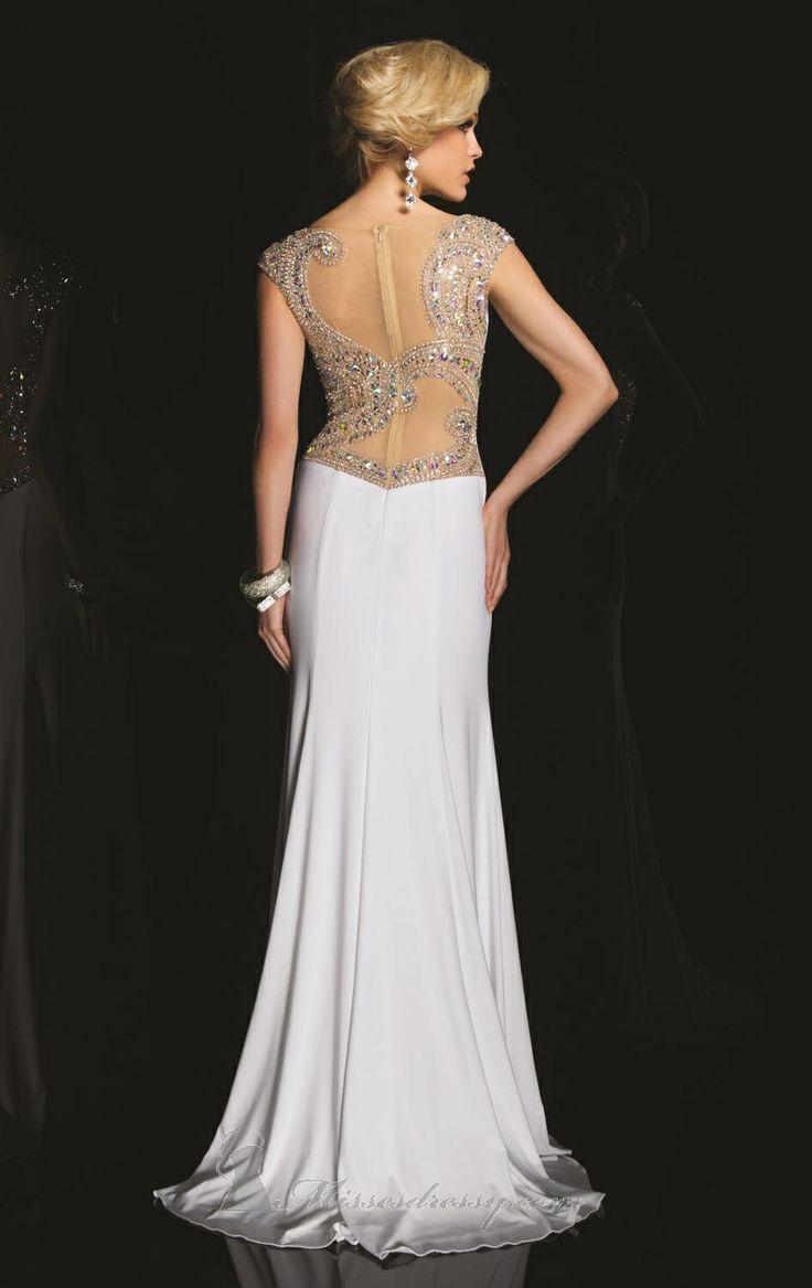 Hľadáte šaty na ples? Aká farba je vhodná na plesové šaty? Aké strihy a materiály sú in túto sezónu? Šaty nielen na ples, ale aj na svadbu. Inšpirujte sa.