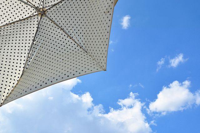Blue sky & polka dots