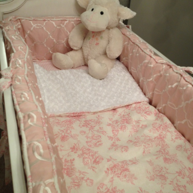 Beautiful cozy baby bedding: Baby Bedding, Shabby Chic, Nursery Ideas, Ryan Rose, Cozy Baby