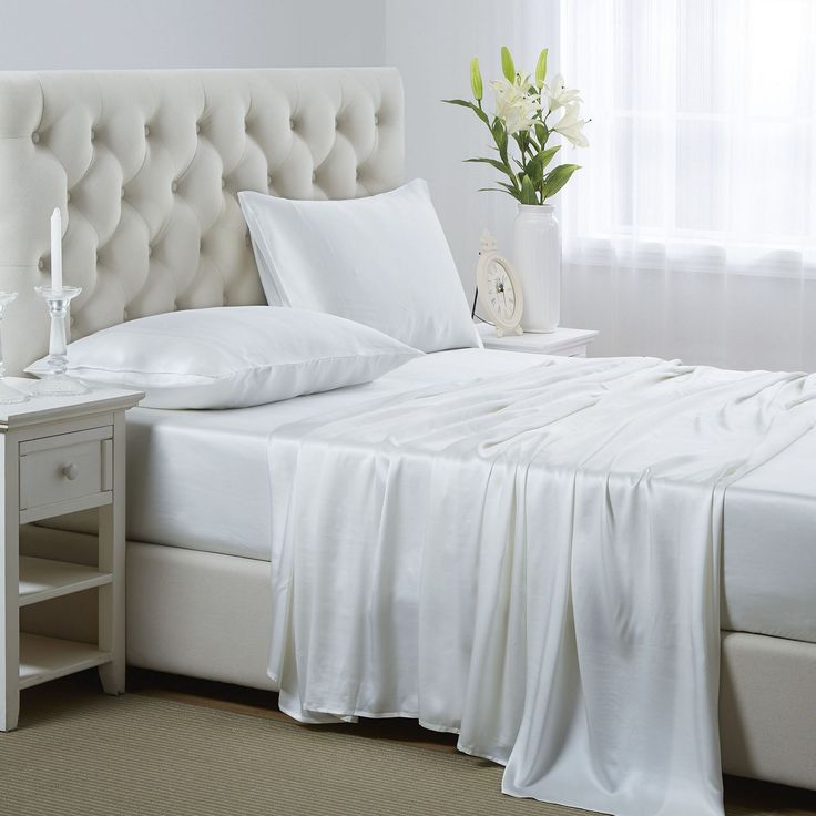 Marvelous 50+ Beautiful Silk Bed Sheet Color Ideas For Comfortable Sleep https://freshouz.com/50-beautiful-silk-bed-sheet-color-ideas-for-comfortable-sleep/