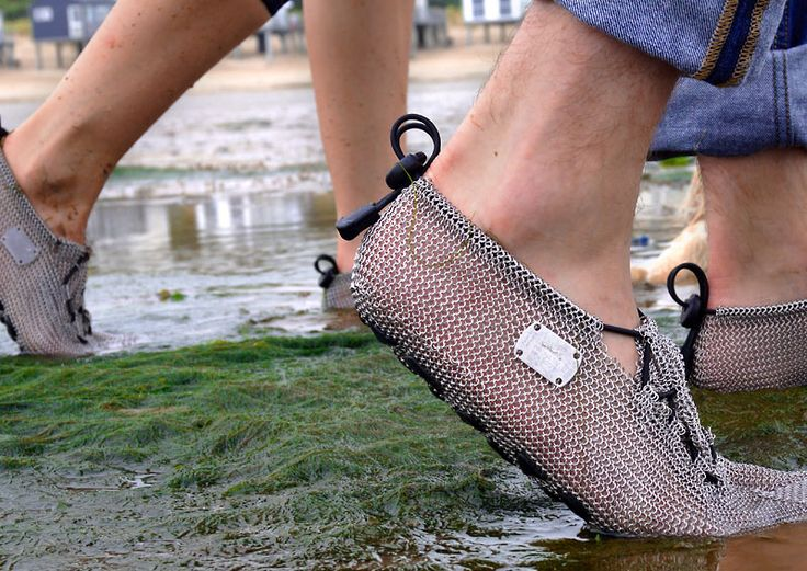 Of course, #gostablefoots #chainmailshoes are also included in this list of international suppliers for #barefootshoes! http://bit.ly/2mPRLJN  #paleos #chainmailshoes #barfußschuhe by #gostbarefoots
