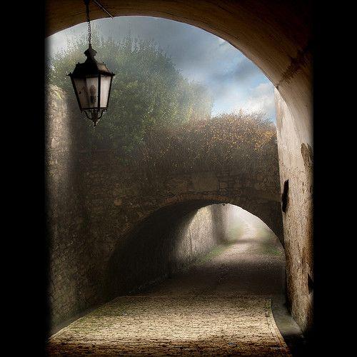 Foggy Portal, Veneto, Italy  photo via agoodthing