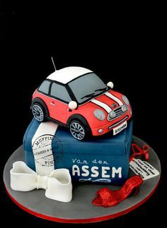 Mini cooper cake Cake by Muffinmania                                                                                                                                                                                 Mehr