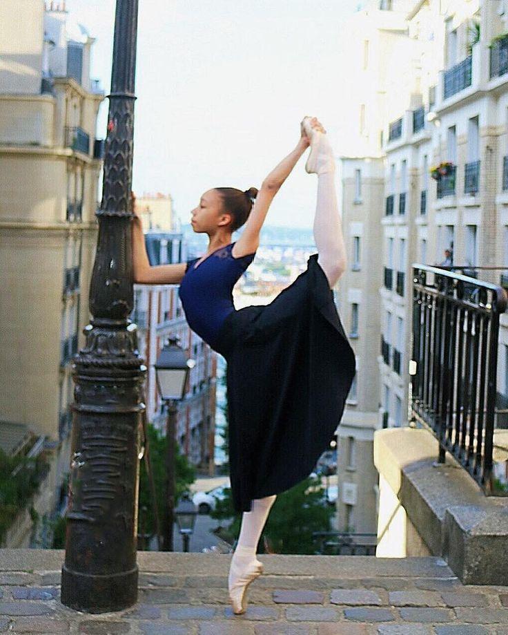 """Inès Vebole (@inesvebole) savait à peine marcher qu'elle a voulu danser. """"J'ai commencé la danse quand j'avais trois ans, se rappelle-t-elle, chez Stanlowa, à Paris."""" Aujourd'hui en dernière année au Conservatoire national supérieur de musique et de danse de Paris, elle rêve de devenir danseuse professionnelle et d'entrer dans une compagnie comme celle de l'Opéra de Paris ou le Royal Ballet à Londres. """"Je suis en classe de première TMD, techniques de la musique et de la danse, raconte Inès…"""