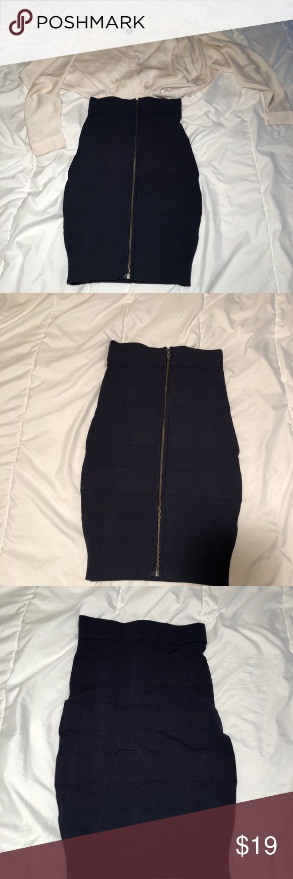 French connection bodycon high waisted skirt It's stretchy / can throw the blouse for free too / just as a little marker stain from work... French Connection Skirts Pencil