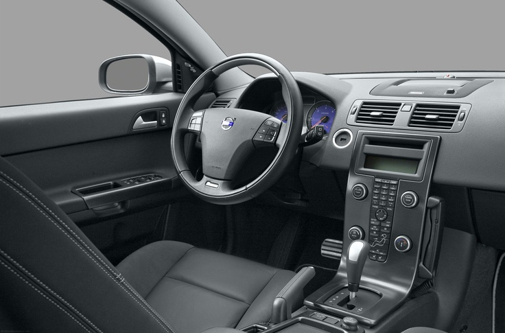 V 50 Interior - driving in style