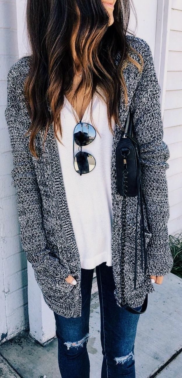 fall outfit ideas / gray knit cardigan + denim