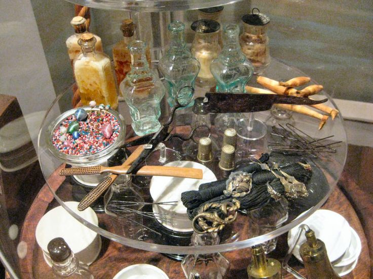Hairpins and other items recovered from the Steamboat Arabia (sunk 1856).