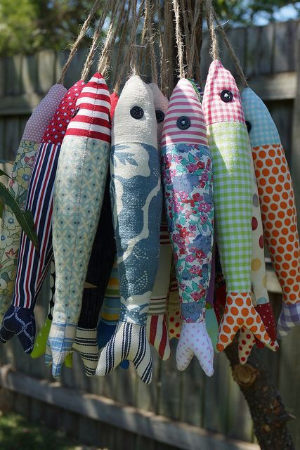 school of fish...cute handmade decor for a boys room or cabin...no instructions, just an idea