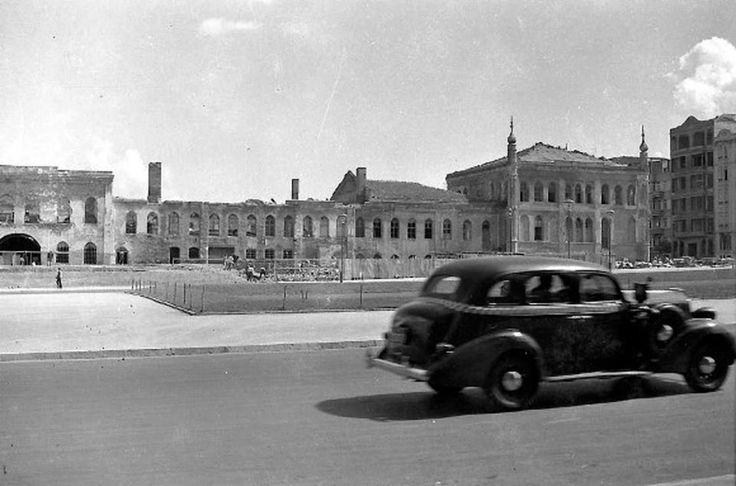 Taksim, Topçu Kışlası yıkılıyor – 1939