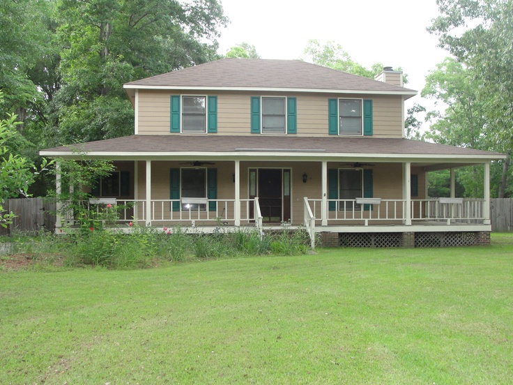 5468 Kentucky Lane, Hope Mills NC THIS 2 STORY FARMHOUSE