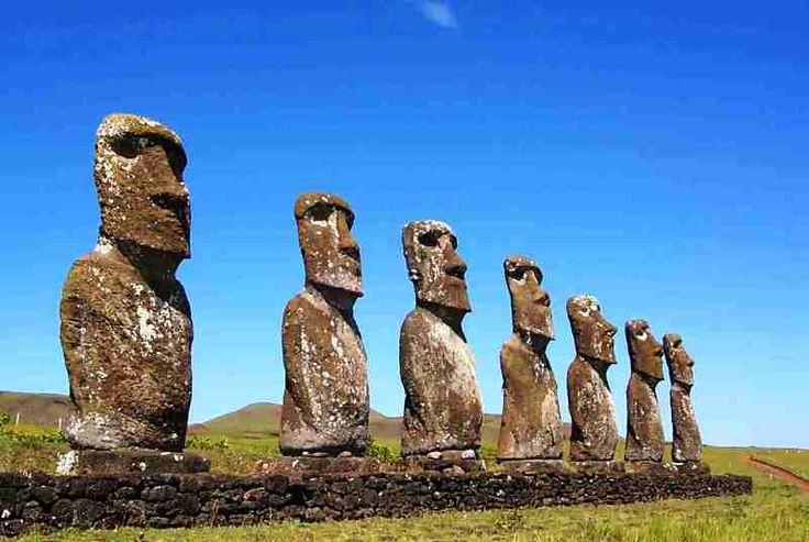 Sono quasi 1000 i Moai conosciuti sulla superficie dell'Isola di Pasqua.