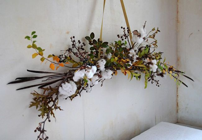 DIY a Winter White Hanging Holiday Arrangement