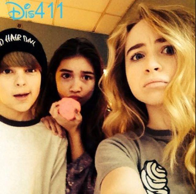 Photo: Rowan Blanchard, Corey Fogelmanis And Sabrina Carpenter January 11, 2014