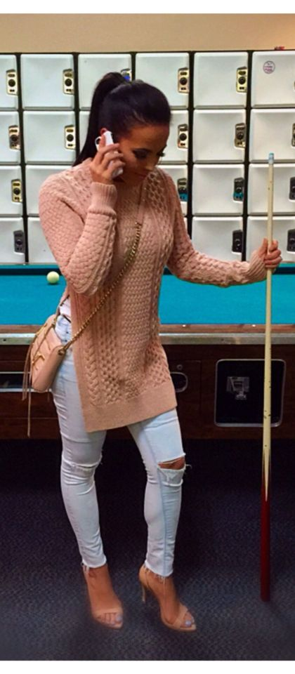An affordable date night activity with the hubby is playing pool. Cable knit pink blush sweater with split side slits, light denim blue jeans, nude strappy heels / pumps, crossbody nude gold chain mini satchel  tote. Cute for spring, fall, or winter women's fashion. love the nude bag. Date night Activities ideas. Casual classy.