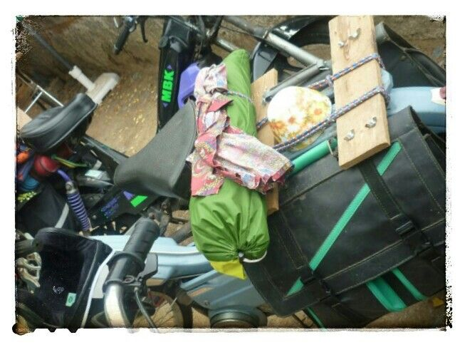 Viaje en motocicleta peugeot.... Peugeot motorcycle ride ....