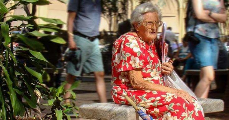 El problema de Cuba no es el envejecimiento poblacional en sí, sino la falta de un reemplazo demográfico, afirmó este martes el sociólogo e historiador cubano Haroldo Dilla Alfonso, en un artículo para el diario independiente Havana Times. El investigador subraya que existen países en vías de desarrollo con mayores expectativas de vida que Cuba, …