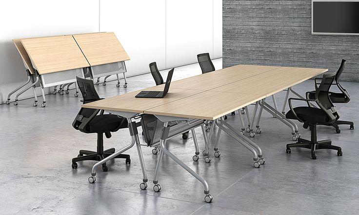 Mesa de Reunião Flap Dobrável   Gabbinetto  As mesas de Reunião Flap Dobrável podem ser usadas em salas de reuniões ou treinamento, sendo uma boa solução para otimizar espaços. Os quatro rodízios tornam sua movimentação fácil, rápida e segura, pois possui sistema de travamento.  #officefurniture #mobiliáriocorporativo #office